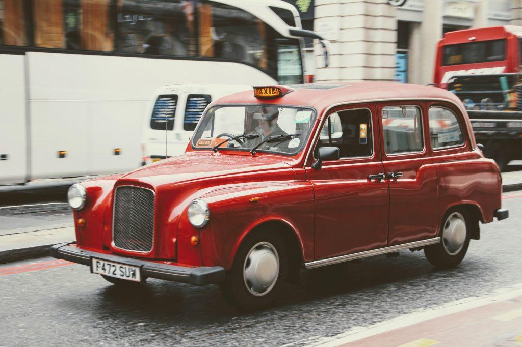 Röd taxi i London